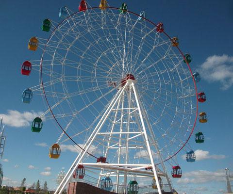 Amusement park big ferris wheel ride in Beston